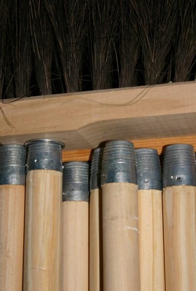 Holzstiel für Besen, Schrubber und Padhalter